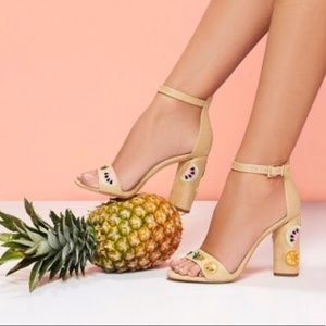 Gianni Bini Fruit Heels Open Toe Tan Sandals
